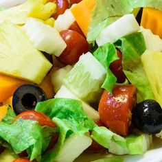 8 benefits of eating pineapple every day - Cough and Wheeze I Information Source for Health Diet And Nutrition, Benefits Of Eating Pineapple, Caesar Salat, Pineapple Salad, Vinaigrette Dressing, Daily Vitamins, Le Diner, Calories, Fruit Salad