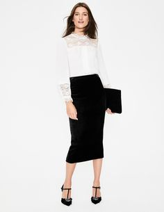 Lorna Velvet Pencil Skirt Below Knee Skirts at Boden Velvet Suit, Autumn Fashion 2018, Smart Styles, Pencil Skirt Black, Party Skirt, British Style, Everyday Look, Suits For Women, Stylish