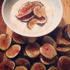 A Simply Raw Life Figs with Coconut Milk Yogurt Coconut Milk Yogurt, Raw Coconut, Coconut Recipes, Raw Food Recipes, Vegan Raw, First Bite, Figs, Recipe Of The Day, Food Inspiration