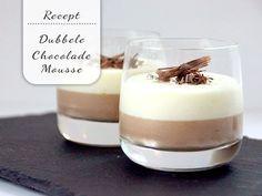 Makkelijke dubbele chocolademousse - My Simply Special Mousse Dessert, Dessert Drinks, Mini Desserts, Delicious Desserts, Food N, Good Food, Food And Drink, Pavlova, Birthday Sweets