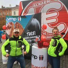 VMP:n ja Onnibussin Työ-kiertue Vaasan torilla 14.10.20016