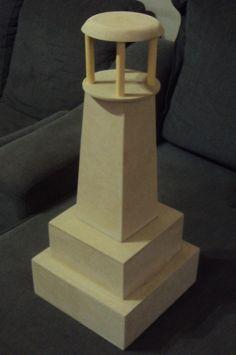 Farol para decoração festa de aniversario de motivo marinheiro <br> <br>Peça entregue sem pintura, na madeira crua. <br> <br>Tamanho: altura de 60 cm