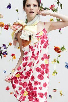 画像 : 【スカーフ】夏スタイルでの色んな巻き方 - NAVER まとめ