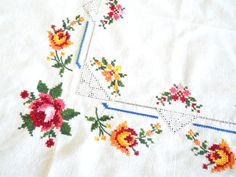 vintage embroidered tablecloth vintage white tablecloth floral
