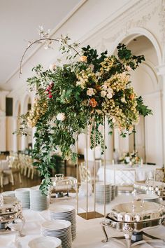 Ruffled - photo by w&e photographie http://ruffledblog.com/chic-wedding-at-an-atlanta-driving-club | Ruffled