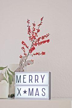 Urbanjunglebloggers-Light-Christmastree-lovelylittlelightbox-merryxmas