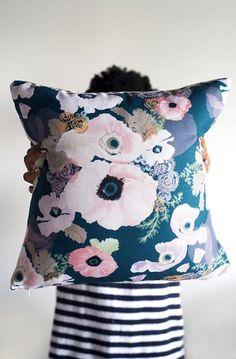 UNE FEMME 18 x 18 pillow