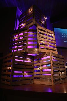 Light on the Pallets - Church Stage Design Ideas - Scenic sets and stage design ideas from churches around the globe. Stage Set Design, Church Stage Design, Bühnen Design, Event Design, Design Ideas, Pallet Light, Church Interior Design, Christmas Stage, Stage Background