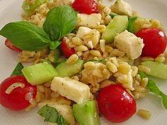 Tomaten - Mozzarella - Salat mit Ebly, ein tolles Rezept aus der Kategorie Reis/Getreide. Bewertungen: 14. Durchschnitt: Ø 4,3. Fruit Salad, Cobb Salad, Food Preparation, Pasta Salad, Potato Salad, Meals, Vegan, Cooking, Salads