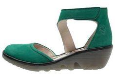 Fly London Piat Green Black El Calzado Clásico Por Excelencia El calzado clásico por excelencia ha decidido reinventarse dando lugar a los zapatos de salón más innovadores.