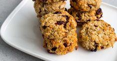 Haastamme sinut kokeilemaan kuukautta vegaanina! Margarita, Muffin, Cookies, Breakfast, Desserts, Food, Crack Crackers, Morning Coffee, Tailgate Desserts