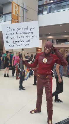 The Flash is one of the most popular CW TV DC comic superhero show. The people who watch the show might have known about the Flash and the timelines. Friend Zone, Dc Memes, Funny Memes, Jokes, That's Hilarious, Funny Quotes, The Flashpoint, Flash Funny, The Flash Grant Gustin