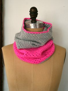 Two-Color Crocheted Cowl