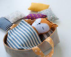 Sleeping Basket. Sewing pattern PDF Doll Sewing Patterns, Pdf Patterns, Tiny Dolls, Soft Dolls, Diy Crafts For Kids, Gifts For Kids, Diy Rag Dolls, Rag Doll Tutorial, Fox Toys