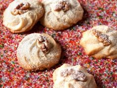Get Romanian Holiday Cookies Recipe from Cooking Channel Romanian Desserts, Romanian Food, Romanian Recipes, Holiday Cookie Recipes, Holiday Cookies, Holiday Foods, Ravioli, Cookie Vegan, Bacon Chocolate Chip Cookies
