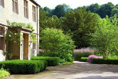 Dan Pearson Old Rectory, Gardenista back driveway inspiration! Landscape Architecture, Landscape Design, Garden Design, Plant Design, Love Garden, Dream Garden, Formal Gardens, Outdoor Gardens, Front Gardens