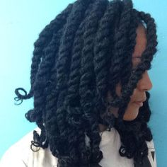 @yeyebynature looking FAB! Totally rockin' her FINGERCOMBER HAVANA TWISTS!