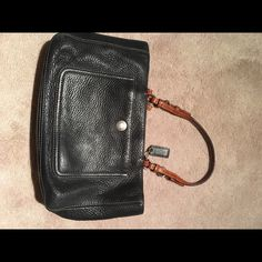 Coach purse Black leather coach purse! Amazing condition Coach Bags Shoulder Bags