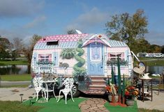 I so want to do this to our caravan!! Just awesome!!