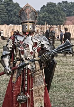 Funny pictures about Epic Level 100 Cleric. Oh, and cool pics about Epic Level 100 Cleric. Also, Epic Level 100 Cleric photos. Fantasy Male, Fantasy Armor, Armadura Medieval, Medieval Armor, Medieval Fantasy, Paladin, Dnd Cleric, Conquest Of Mythodea, Dnd Funny