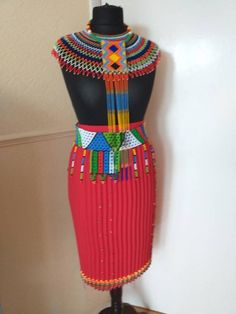 Gorgeous belt in large Zulu beads. African Traditional Wear, Traditional Outfits, Traditional Wedding, African Wedding Attire, African Attire, African Beauty, African Fashion, Shweshwe Dresses, Afro