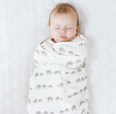 1 swaddler 0 - 4 months - TOG rating for Ergobaby Original Swaddler is Swaddle Wrap, Baby Swaddle, Bunting Bag, Newborn Needs, Exercise For Kids, Baby Store, First Baby, Baby Boutique, Occupational Therapy