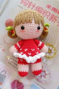 ideas crochet bag pattern free doll clothes for 2019 Crochet Doll Pattern, Crochet Blanket Patterns, Knitted Dolls, Crochet Dolls, Bandeau Crochet, Bag Pattern Free, Cute Crochet, Beautiful Crochet, Stuffed Toys Patterns