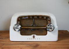 1950s Ivory Crosley Bakelite Radio