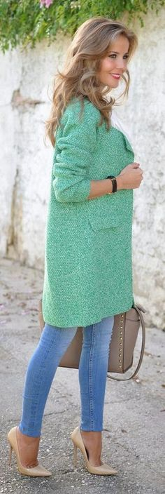 Love the coat! Light Green Boucle Knit Coat by Te Cuento Mis Trucos. Edgy Chic, Mode Outfits, Fall Outfits, Fashion Outfits, Womens Fashion, Outfit Winter, Fashion Ideas, Fashion Trends, Coat Outfit