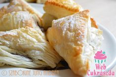 Nutellás levelek Hungarian Recipes, Nutella, Dairy, Cheese, Sweet, Food, Candy, Essen, Meals