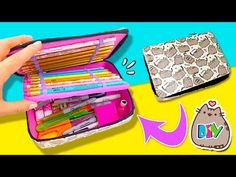 39 Totally Cool DIY Pencil Cases to Make for Back to School Diy Stationery Organizer, Stationery Pens, Diy Organizer, Pencil Case Tutorial, Diy Pencil Case, Cool Diy, Pencil Case Organizer, Pencil Bags, Pencil Pouch