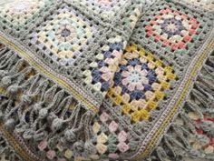 ふち編みも可愛いブランケット* : Natural style*