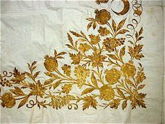 incredible ottoman gold metallic embroidery turkish XIX century , on a white thin cotton panel 150 cm X 80 cm very good condition,just few yellow stains , 550 grams 1800 . Goldwork, Gold Embroidery, Fabric Crafts, Needlework, Ottoman, The Incredibles, Antiques, Metal, Knots