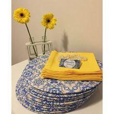 Saindo mais um kit com estampa de azulejo português!!!  . Sousplat UMA FACE R$ 28,00 cada sousplat ...