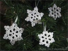 crochet snowflakes in a christmas tree - www.wishesintherain.net