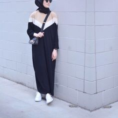 Abaya Style 313703930286243682 - 3 Renk Abaya ⚜️ Source by Hijab Casual, Hijab Outfit, Hijab Chic, Hijab Dress, Abaya Fashion, Muslim Fashion, Modest Fashion, Fashion Clothes, Fashion Outfits