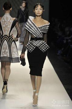 vintage fashion  ♥  Stunning, classic jewelry: www.bluedivadesigns.com #bluedivagal