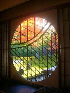 YOSHINOMADO(window)    Tofuku-ji Komyo-in Temple, Kyoto, Japan