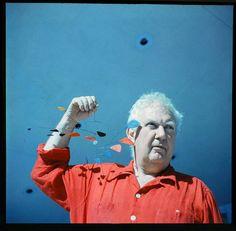 Alexander+Calder+portrait.jpg (500×491)