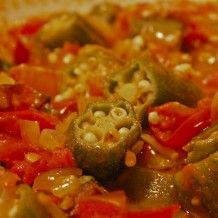 Creole stewed Okra and Tomatoes are simple, but sooo delicious. Okra & Tomatoes are one of those romances written in the stars, like Oysters & Artichokes. Two creatures from different worlds, that were meant to be together!