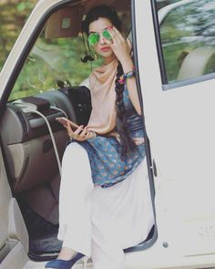 Look Your Best With This Fashion Advice Cute Girl Photo, Girl Photo Poses, Girl Photography Poses, Girl Poses, Photo Shoot, Stylish Girls Photos, Stylish Girl Pic, Punjabi Girls, Punjabi Suits