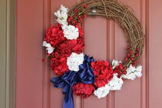 The Sweet Survival: Patriotic Wreath tutorial Patriotic Wreath, Patriotic Decorations, 4th Of July Wreath, Felt Wreath, Diy Wreath, Wreaths, 4th Of July Fireworks, Fourth Of July, Diy Tie Dye Pillow