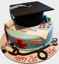 Graduation from medical school Cake Vet Cake, Pharmacy Cake, Nursing Graduation Cakes, Medical Cake, Haunted House Cake, Doctor Cake, Nurse Party, Cakes For Men, Cookie Designs