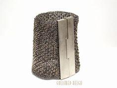 Silverknitted bracelet by Helga Markhus Contemporary Jewellery, Modern Jewelry, Metal Jewelry, Jewelry Art, Silver Jewelry, Jewelry Accessories, Fine Jewelry, Jewelry Design, Unique Jewelry