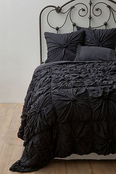 Anthro Rosette Quilt Charcoal - with DIY pin I can make this myself! LOVE this colour!
