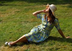 Vintage picnic Dress with a Belt Midi Dress by VintagEraShop