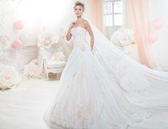 Fashion bride 2018 - Collection COLET. COAB18248. Wedding Dress Nicole.