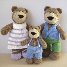 You can knit your own bear family with this knitting pattern, which includes the instructions to make Papa Bear with waistcoat and trousers, Mama Bear with dress and shoes, and Baby Bear with his trousers and braces. The big bears are approximately 24cm tall, and the baby bear is 15cm tall. The pattern includes row numbers for each step so you don't lose your place, instructions for making the bears and outfits, 24 photos, a list of abbreviations and explanation of some techniques, a…