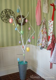 We make an Easter tree every year since we lived in Berlin. My daughters made them and now my grandchildren. Spray paint a branch white and hang eggs, chicks and Easter bunnies on it! Holiday Crafts For Kids, Holiday Fun, Holiday Decor, Hoppy Easter, Easter Eggs, Easter Tree Decorations, Egg Tree, Easter Crafts, Easter Ideas