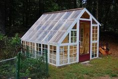 Custom Backyard Greenhouse with Recycled Windows: December 2012 Diy Greenhouse Plans, Window Greenhouse, Backyard Greenhouse, Greenhouse Farming, Recycled Door, Recycled Windows, Recycling, Cold Frame, Garden Structures